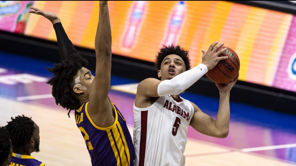 No. 6 Alabama adds another SEC title, edges LSU at tourney